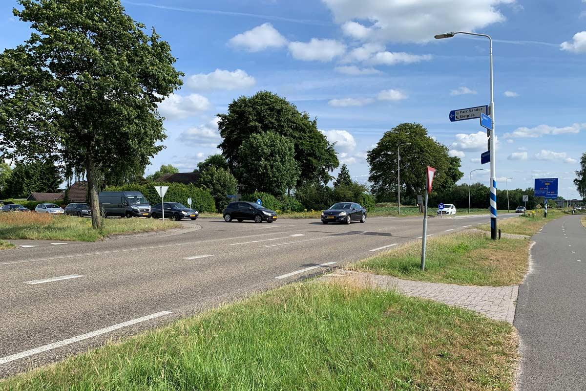 Rotonde-Dikke-Wijk---Verlengde-Herendijk-(002)