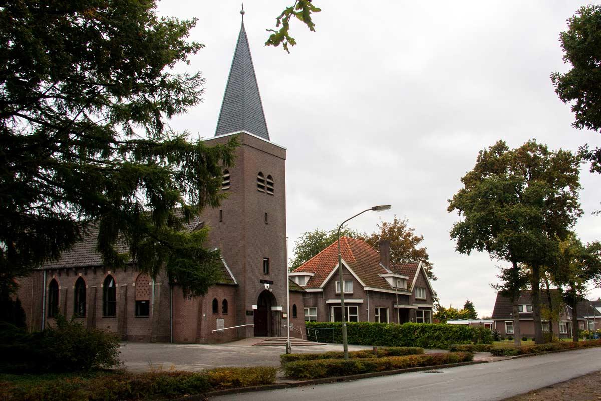 Eaben-Heazer-kerk-Van-Echtenskanaal-ZZ_0009W